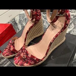 *NEW* Floral Wedges/Espadrilles size 7USA
